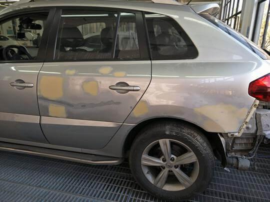 3D scanning the damaged car